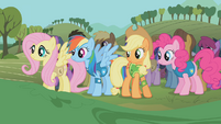 The ponies await the mayor's words S1E11