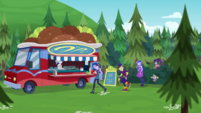Twilight and teachers find falafel truck CYOE16a