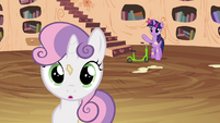 Twilight calling out to Sweetie Belle S4E15
