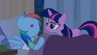 Twilight desconfiando do 'sono' de Rainbow 1 T2E16