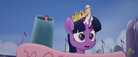 Twilight hears Songbird Serenade arrive MLPTM