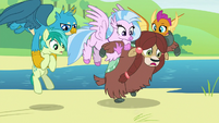 Winged students pick up Sandbar and Yona S8E1
