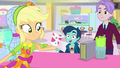 Applejack impresses kid with her cup-flipping SS9.png