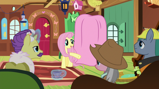File:Fluttershy addresses the expert ponies S7E5.png