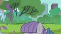 Maud Pie opening her present S6E3.png