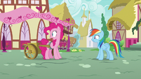 Pinkie Pie watches fillies run off with pies S7E23