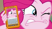 Pinkie imitating photo's ridiculous face EGFF