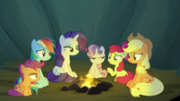 Scootaloo and Sweetie Belle glare at Apple Bloom S7E16
