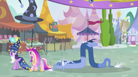 Twilight and Cadance walking S4E11