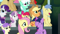 Twilight and ponies impressed by Wonderbolts S6E7