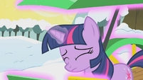 Twilight resorts to magic S1E11