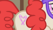 Twist shows Apple Bloom her cutie mark S1E12