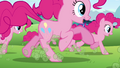 An army of Pinkie Pies S3E3.png