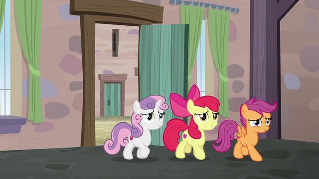 File:Cutie Mark Crusaders backing out of the bakery S7E8.png
