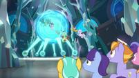 Gallus' friends get dragged into sphere S8E26