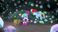 Rainbow impressed by Rarity's find S8E17