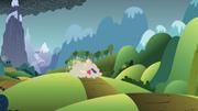 S01E07 Bohaterki biegną w stronę góry