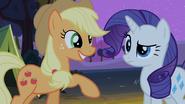 S02E05 Applejack tłumaczy Rarity co to znaczy być dobrą siostrą