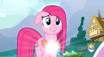 S03E13 Pinkie zaczyna się przemieniać