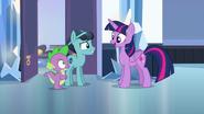 S06E16 Twilight poznaje nowego przyjaciela Spike'a