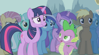 Spike telling Twilight it's up to her S1E06