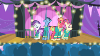 The Ponytones performing S4E14