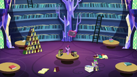 Twilight levitating a book down to her S5E16