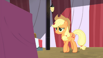 Applejack walking towards the table S4E20