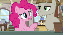 Pinkie Pie apologizes for cutting in line S8E3