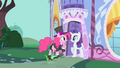 Pinkie Pie invites Rarity to a party S1E25.png