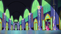 Pinkie in castle hallway zoom-out.png