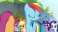 Rainbow Dash shaking her head S8E20