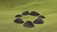 Rock circle S3E6