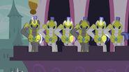 S02E25-error Guardias Alicornios