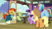 Sunburst entering the Hay Burger S9E16