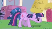 Twilight ate too much pie S1E1