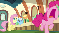 Pinkie Pie running away wailing S6E18