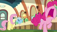 Pinkie Pie running away wailing S6E18