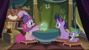 S02E20 Madame Pinkie, Twilight i Spike