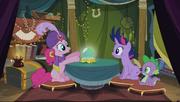 S02E20 Madame Pinkie, Twilight i Spike