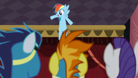 Soarin, Spitfire, and Rarity watches Rainbow dancing S5E15