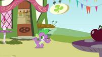 Spike flinching S3E3
