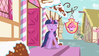 Twilight happy to help S2E13