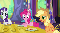 Applejack -is there somethin' you wanna tell us-- S5E3