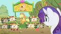 Applejack at her Fluttershy apple stand S01E20.png