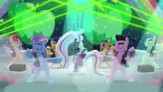 Coloratura sings --Glitter eyes-- S5E24