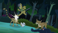 Daring Do kicks cheetah's face S4E04
