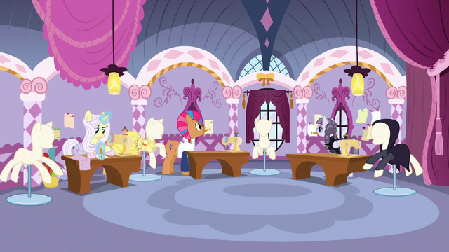 File:Lily, Starstreak, and Inky in boutique sewing room S7E9.png