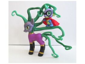 Mlp-sdcc-2014-exclusive-mane-iac-mayhem-spike-figure