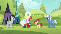 Orchard Blossom steps over the rope S5E17